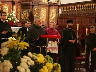 """Po raz kolejny w Legnicy z inicjatywy franciszkanów odbyło się spotkanie nazywane """"Asyżem w Legnicy"""". Tym razem miało miejsce w legnickiej katedrze, 12 października br."""
