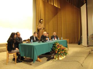 """Pod tym hasłem odbyła się w Niepokalanowie ogólnopolska konferencja z racji 70. rocznicy śmierci Męczennika Auschwitz. 21 października br. uroczystego otwarcia konferencji dokonał o. dr <a class=""""mh-excerpt-more"""" href=""""https://www.zyciezakonne.pl/wiadomosci/kraj/%e2%80%9eswiety-maksymilian-kolbe-%e2%80%93-swiadek-boga-i-sluga-chrystusa%e2%80%9d-10445/"""" title=""""""""Święty Maksymilian Kolbe – świadek Boga i sługa Chrystusa"""""""">[...]</a>"""