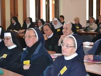 W prowadzonym przez salwatorianów Centrum Formacji Duchowej w Trzebinii, w ostatnią środę, 19 października, otwarto sesję inaugurującą kolejny Rok Odnowy Duchowej 2011/2012.