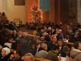"""Około 1000 gości spodziewają się na Wigilię Bożego Narodzenia 24 grudnia franciszkanie, którzy wspólnie z miastem, organizują wieczerzę wigilijną dla wszystkich osób samotnych, bezdomych i <a class=""""mh-excerpt-more"""" href=""""https://www.zyciezakonne.pl/wiadomosci/kraj/gdynska-wigilia-u-franciszkanow-12274/"""" title=""""Gdyńska wigilia u franciszkanów"""">[...]</a>"""