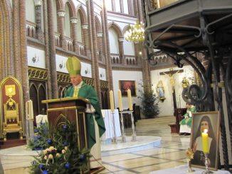"""W ostatnią niedzielę stycznia obchodzony jest ustanowiony przez ONZ Światowy Dzień Walki z Trądem. W wielu polskich miejscowościach odbywają się modlitwy i zbiórki środków pieniężnych <a class=""""mh-excerpt-more"""" href=""""https://www.zyciezakonne.pl/wiadomosci/kraj/misyjne-uroczystosci-w-katedrze-sw-floriana-na-pradze-13208/"""" title=""""Misyjne uroczystości w Katedrze św. Floriana na Pradze"""">[...]</a>"""