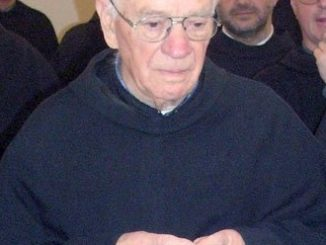 """O. Olaf Ślepokura poświęcił młodzieży swoje życie. Przeżył 96 lat: 76 jako zakonnik i 69 jako kapłan. Teraz, po jego śmierci, w dniu pogrzebu, pożegna <a class=""""mh-excerpt-more"""" href=""""http://www.zyciezakonne.pl/wiadomosci/kraj/kalwaria-paclawska-zmarl-o-olaf-slepokura-ofmconv-13260/"""" title=""""Kalwaria Pacławska: zmarł o. Olaf Ślepokura OFMConv"""">[...]</a>"""