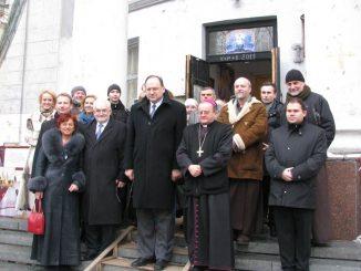 """Ambasador Nadzwyczajny i Pełnomocny Rzeczpospolitej Polskiej na Ukrainie, p. Henryk Litwin i Konsul Generalny Rzeczpospolitej Polskiej w Charkowie, p. Jan Granat odwiedzili 23 lutego 2012 <a class=""""mh-excerpt-more"""" href=""""http://www.zyciezakonne.pl/wiadomosci/swiat/ukraina-ambasador-i-konsul-u-kapucynow-14101/"""" title=""""Ukraina: Ambasador i konsul u kapucynów"""">[...]</a>"""