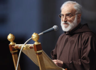 Benedykt XVI wysłuchał kolejnego kazania wielkopostnego o. Raniero Cantalamessy.