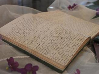 """100 tysięcy egzemplarzy """"Dzienniczka"""" Świętej Faustyny przygotują organizatorzy tegorocznego Spotkania Młodych na Lednicy, które odbędzie się 2 czerwca i poświęcone będzie Bożemu Miłosierdziu."""