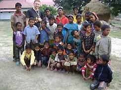 """Niewiele ponad miesiąc istnieje salezjańska placówka misyjna w Lokhikul, w Bangladeszu. Należy Inspektorii Kalkuty i znajduje się w dystrykcie Rajshahi, gdzie stopień śmiertelności jest bardzo <a class=""""mh-excerpt-more"""" href=""""https://www.zyciezakonne.pl/wiadomosci/swiat/bangladesz-dwaj-salezjanie-dla-nowej-placowki-misyjnej-14460/"""" title=""""Bangladesz: Dwaj salezjanie dla nowej placówki misyjnej"""">[...]</a>"""