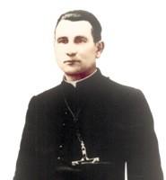 Edmund Kałas urodził się 15 lutego 1899 r. w Wierzchucinie Królewskim k. Koronowa w religijnej rodzinie, która utrzymywała się z rolnictwa.
