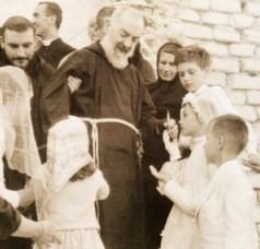 Grupy Modlitwy Ojca Pio otrzymały nowy Regulamin. Jest on wspólny dla wszystkich tych grup, których istnieje obecnie ponad 3 tys. w 60 krajach świata.