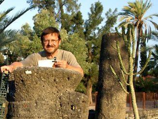 """W czerwcu 2012 o. Marian Bernard Arndt OFM, doktor teologii biblijnej i archeolog biblijny, uczestniczył po raz kolejny w pracach archeologicznych w Kafarnaum i Magdali <a class=""""mh-excerpt-more"""" href=""""https://www.zyciezakonne.pl/wiadomosci/swiat/prace-archeologiczne-franciszkanina-17510/"""" title=""""Prace archeologiczne franciszkanina"""">[...]</a>"""