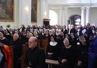 """W dniu 8 września br., w naszym Świętokrzyskim Sanktuarium będziemy gościć po raz kolejny Osoby Konsekrowane. To wyjątkowy dzień dla naszej świętokrzyskiej wspólnoty Misjonarzy Oblatów <a class=""""mh-excerpt-more"""" href=""""http://www.zyciezakonne.pl/wiadomosci/kraj/zaproszenie-na-swiety-krzyz-na-pielgrzymke-osob-konsekrowanych-19741/"""" title=""""Zaproszenie na Święty Krzyż na Pielgrzymkę Osób Konsekrowanych"""">[...]</a>"""