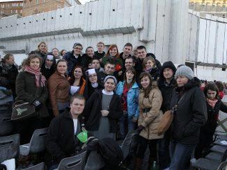 """W zakończonym 2 stycznia 35. Europejskim Spotkaniu Młodych, zorganizowanym przez ekumeniczną Wspólnotę z Taize, wzięło udział około 40 tys. młodych chrześcijan z wielu krajów, wśród <a class=""""mh-excerpt-more"""" href=""""http://www.zyciezakonne.pl/wiadomosci/z-sercanami-w-wiecznym-miescie-26407/"""" title=""""Z Sercanami w Wiecznym Mieście"""">[...]</a>"""