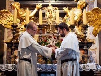 Obecny i były metropolita górnośląski wezmą udział 2 i 3 marca w uroczystym wprowadzeniu relikwii Świętego Jacka do kościoła dominikanów w Katowicach.