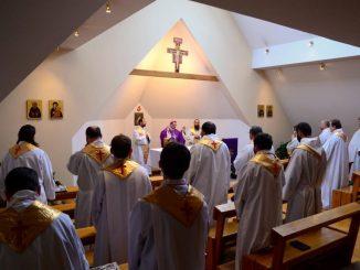 Nowa Ewangelizacja oraz wiara we wspólnocie braterskiej były tematami wiosennego spotkania przełożonych Krakowskiej Prowincji Zakonu Braci Mniejszych Kapucynów.