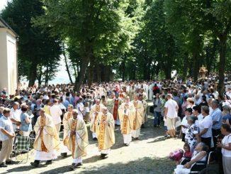 W niedzielę 28 lipca przy upalnej pogodzie i tłumie pielgrzymów odbył się doroczny odpust św. Anny.
