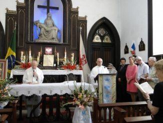 """W niedzielę 25 sierpnia 20123 r. wspólnota polonijna w Rio de Janeiro świętowała uroczystość swojej Patronki – Pani Jasnogórskiej oraz 60 lat korzystania z historycznej <a class=""""mh-excerpt-more"""" href=""""http://www.zyciezakonne.pl/wiadomosci/swiat/chrystusowcy-niecodzienne-swietowanie-polonii-w-rio-de-janeiro-33140/"""" title=""""Chrystusowcy: Niecodzienne świętowanie Polonii w Rio de Janeiro"""">[...]</a>"""
