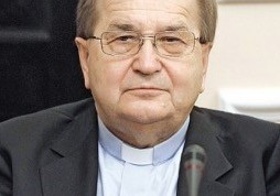 Z o. dr. Tadeuszem Rydzykiem CSsR, dyrektorem Radia Maryja, rozmawia Beata Falkowska