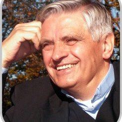 """Na ogół mówi się o nich: przestępca, kryminalista, bandzior, a jednak w każdym z nich drzemie człowieczeństwo – mówi o. Stanisław Majcher SJ, który opowiada <a class=""""mh-excerpt-more"""" href=""""https://www.zyciezakonne.pl/opinie/wywiady/jezuita-za-kratami-50100/"""" title=""""Jezuita za kratami"""">[...]</a>"""