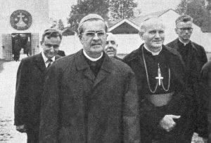 wojtyla w dachau 19720820 odsloniecie polskiej tablicy obok kard. J.Doepfner