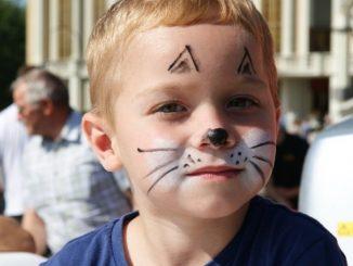 """Ponad siedemset dzieci zgromadził w ostatnią niedzielę tegorocznych wakacji """"Piknik z mamą i tatą w Licheniu"""". W trakcie rodzinnej zabawy poprzedzonej wspólną modlitwą rozstrzygnięto także <a class=""""mh-excerpt-more"""" href=""""https://www.zyciezakonne.pl/wiadomosci/kraj/lichen-piknik-z-mama-i-tata-53342/"""" title=""""Licheń: Piknik z mamą i tatą"""">[...]</a>"""