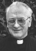 """Zmarł 7 września 2015 r. w Wolverhampton (Anglia).Przeżył lat 79 (w kapłaństwie 45).Obrzędy pogrzebowe rozpoczną się w środę30 wrześniaMszą świętą o godz.11:00w kościele p.w. Świętej <a class=""""mh-excerpt-more"""" href=""""https://www.zyciezakonne.pl/wiadomosci/swiat/pozegnania-o-leon-kolodziejski-cssp-53993/"""" title=""""Pożegnania: o. Leon Kołodziejski CSSp"""">[...]</a>"""