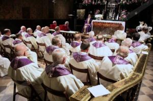 Kaplica Cudownego Obrazu. Msza św. wspólnotowa za zmarłych ojców i braci Zakonu Paulinów