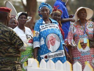 """""""Chrześcijanie Afryki Środkowej, każdy z was jest powołany, aby był z wytrwałością swej wiary i trudu misyjnego twórcą odnowy ludzkiej i duchowej waszego kraju"""" – <a class=""""mh-excerpt-more"""" href=""""http://www.zyciezakonne.pl/wiadomosci/swiat/msza-sw-zakonczyla-wizyte-franciszka-w-afryce-55281/"""" title=""""Msza św. zakończyła wizytę Franciszka w Afryce"""">[...]</a>"""