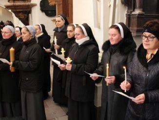 W święto Ofiarowania Pańskiego w bazylice katedralnej w Łowiczu sprawowana była uroczysta Msza św. na zakończenie Roku Życia Konsekrowanego. Eucharystii przewodniczył biskup nominat Wojciech Osial.