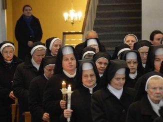 We wtorek, 2.02.2016 r. w Święto Ofiarowania Pańskiego odbyło się uroczyste zakończenie Roku Życia Konsekrowanego w katedrze rzeszowskiej.
