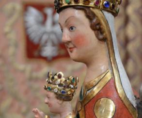 3 lipca 1966 r., w roku Millenium Chrztu Polski, została uroczyście koronowana figurka Matki Bożej Bardzkiej, Strażniczki Wiary Świętej.