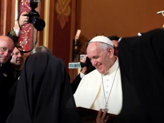"""""""Otwórzcie drzwi!"""" – powtarzał za Janem Pawłem II Ojciec Święty Franciszek w Łagiewnikach. W sobotę 30 lipca spotkał się podczas Mszy św. w Sanktuarium św. <a class=""""mh-excerpt-more"""" href=""""https://www.zyciezakonne.pl/wiadomosci/ojciec-swiety-do-duchownych-i-osob-zycia-konsekrowanego-jezus-pragnie-aby-kosciol-szedl-do-swiata-62429/"""" title=""""Ojciec Święty do duchownych i osób życia konsekrowanego: Jezus pragnie, aby Kościół szedł do świata"""">[...]</a>"""