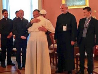 Dziś popołudniu w Kurii Metropolitarnej Archidiecezji Krakowskiej doszło do spotkania przedstawicieli obu polskich prowincji Towarzystwa Jezusowego z Ojcem Świętym Franciszkiem.