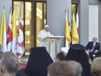 """""""Miejscem spotkania oraz życiodajnej wymiany między kulturami i cywilizacjami"""" nazwał Papież Gruzję, przemawiając do jej prezydenta, władz i korpusu dyplomatycznego. Podkreślił, że od początku IV <a class=""""mh-excerpt-more"""" href=""""https://www.zyciezakonne.pl/wiadomosci/swiat/papiez-do-wladz-gruzji-jej-chrzescijanska-i-europejska-tozsamosc-63646/"""" title=""""Papież do władz Gruzji: jej chrześcijańska i europejska tożsamość"""">[...]</a>"""