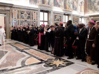 """Życie konsekrowane jest darem dla Kościoła, w nim się rodzi i rozwija, całe też jest na Kościół ukierunkowane. To podstawowa zasada, o której ani biskupi, <a class=""""mh-excerpt-more"""" href=""""https://www.zyciezakonne.pl/wiadomosci/swiat/franciszek-o-relacjach-biskupi-zakony-potrzeba-wzajemnosci-64638/"""" title=""""Franciszek o relacjach biskupi – zakony: potrzeba wzajemności"""">[...]</a>"""