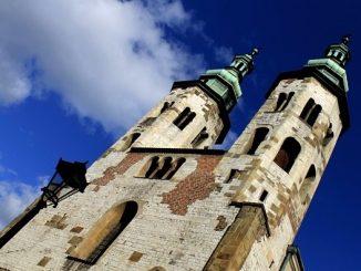 """Dokładnie 700 lat temu, w dokumencie datowanym na 31 października 1316 roku pojawiła się pierwsza wzmianka o obecności sióstr klarysek (OSC – Ordo Sanctae Clarae) <a class=""""mh-excerpt-more"""" href=""""http://www.zyciezakonne.pl/wiadomosci/kraj/zakon-swietej-klary-krakowie-700-64693/"""" title=""""Zakon Świętej Klary w Krakowie od 700 lat!"""">[...]</a>"""