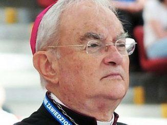 Arcybiskup Henryk Hoser trafił w czwartek do szpitala – poinformował rzecznik diecezji warszawsko-praskiej bp Marek Solarczyk.