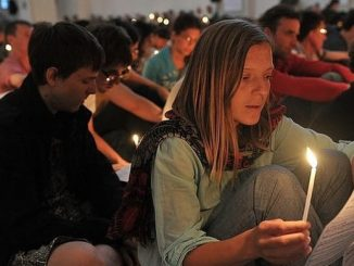 """W stolicy Łotwy, Rydze, zakończyło się 1 stycznia 39. Europejskie Spotkanie Młodych organizowane przez ekumeniczną Wspólnotę z Taizé w ramach """"Pielgrzymki zaufania przez ziemię""""."""