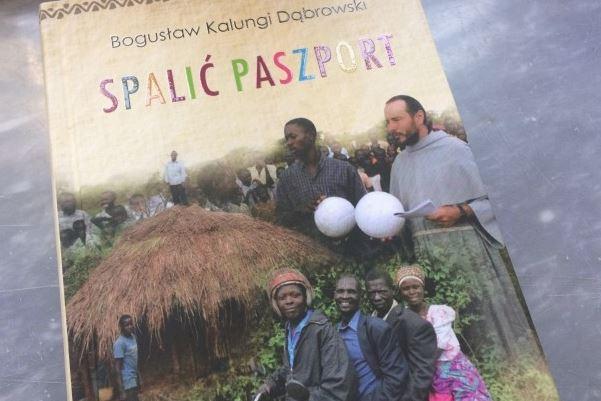 """Na rynku wydawniczym oraz w Internecie znaleźć można wiele publikacji i wspomnień misyjnych. Zazwyczaj są to teksty czytane przeztych, którzy w jakiś sposób związani są <a class=""""mh-excerpt-more"""" href=""""http://www.zyciezakonne.pl/wiadomosci/kraj/muzungu-wsrod-ludu-baganda-67665/"""" title=""""Muzungu wśród ludu Baganda"""">[...]</a>"""