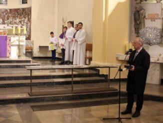 Wieloletni katecheta Szkoły Muzycznej w Gdańsku, założyciel zespołu Stella Maris, wybitny jezuita Józef Wilczyński otrzymał medal Senatu Rzeczypospolitej Polskiej.