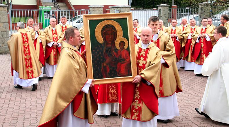Od sanktuarium w Dębowcu rozpoczęła się peregrynacja kopii wizerunku Matki Bożej Częstochowskiej po męskich wspólnotach zakonnych znajdujących się w diecezji rzeszowskiej.