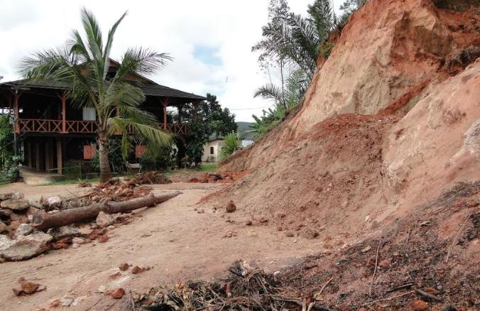"""Po dwóch tygodniach od rozpoczęcia akcji """"Ryż na Madagaskar"""" wyruszyły pierwsze transporty ryżu. To pozwoli Malgaszom odbudować ich uprawy i przetrwać najtrudniejszy czas po cyklonie, <a class=""""mh-excerpt-more"""" href=""""http://www.zyciezakonne.pl/wiadomosci/swiat/ryz-madagaskar-wyruszyly-pierwsze-transporty-ryzu-68295/"""" title=""""Ryż na Madagaskar: wyruszyły pierwsze transporty ryżu"""">[...]</a>"""