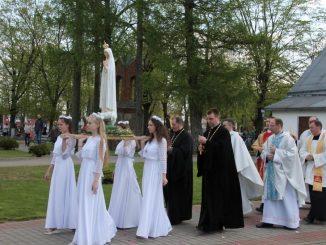 Dokładnie w setną rocznicę objawień Matki Bożej w Fatimie, 13 maja, rozpoczęła się peregrynacja figury fatimskiej w diecezji grodzieńskiej.