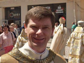 W Kijowie święcenia biskupie przyjął nowy ordynariusz stołecznej diecezji kijowsko-żytomierskiej obrządku łacińskiego. Jest nim 45- letni salezjanin ks. Witalij Kriwicki.