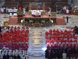 W Bazylice Watykańskiej odbył się konsystorz, w czasie którego Papież włączył do Kolegium Kardynalskiego 5 nowych purpuratów.