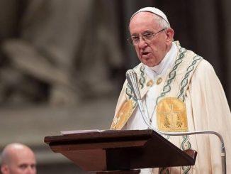 """""""Bez krzyża nie ma Chrystusa, ale bez krzyża nie ma również chrześcijanina"""" – powiedział papież podczas watykańskich uroczystości świętych Piotra i Pawła."""