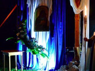 Nad czerneńskim klasztorem zapadł ZMIERZCH – tak zatytułowany został pierwszy dzień rozpoczynających się 13. Karmelitańskich Dni Młodych.