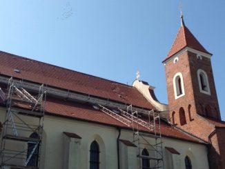 """Nawałnica, która przetoczyła się 11 sierpnia późnym wieczorem przez Wielkopolskę, wyrządziła duże szkody w Gnieźnie, w tym również w naszym franciszkańskim kościele, który niedawno został <a class=""""mh-excerpt-more"""" href=""""http://www.zyciezakonne.pl/wiadomosci/kraj/franciszkanie-gniezno-nawalnica-uszkodzila-dach-70925/"""" title=""""Franciszkanie – Gniezno: nawałnica uszkodziła dach"""">[...]</a>"""
