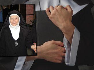 Siostry zakonne, księża, wierni oraz przedstawiciele najbliższej rodziny pożegnali 29 sierpnia w Kętach i Częstochowie zmarłą w wieku 98 lat s. Maksymillę Tyrałę CR- zmartwychwstankę