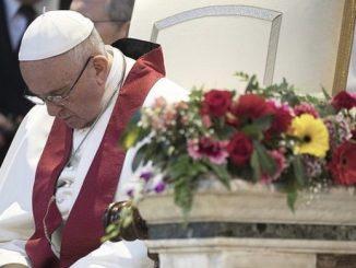 Amerykańscy zakonnicy chcą, by papież napisał encyklikę o niestosowaniu przemocy.
