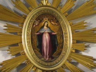 Osiem dni po uroczystości Wniebowzięcia Maryi obchodzimy Święto NMP Królowej. Jako pierwszy w historii Polskizostał ukoronowany koroną królewską obraz Matki Bożej Łaskawej na warszawskiej Starówce.