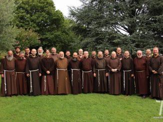 """W dniach od 21 do 25 lipca 2017 roku w cieniu groty Massabielle w Lourdes (Francja) odbyło się spotkanie Braci Kapucynów dotyczące tak zwanego """"Projektu <a class=""""mh-excerpt-more"""" href=""""https://www.zyciezakonne.pl/wiadomosci/swiat/kapucyni-projekt-europa-spotkanie-lourdes-71346/"""" title=""""Kapucyni: Projekt Europa – spotkanie w Lourdes"""">[...]</a>"""